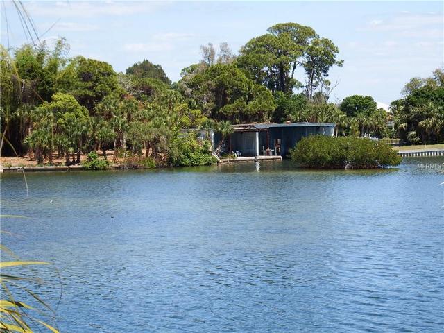1490 Homestead Dr, Englewood, FL