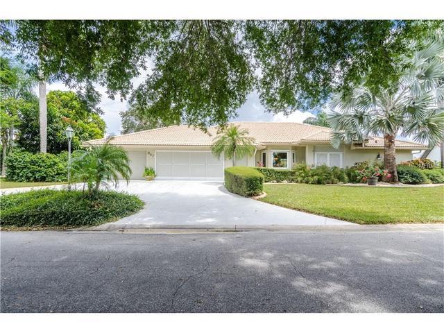 327 Oakwood Cir, Englewood, FL 34223