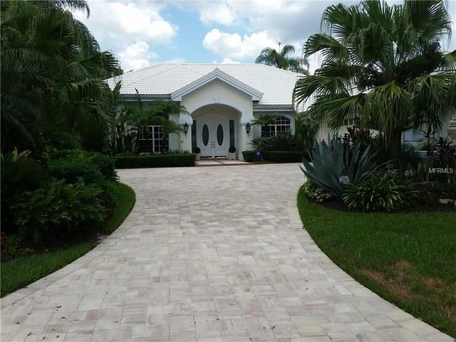 30404 Laurelwood Ln, Wesley Chapel, FL 33543