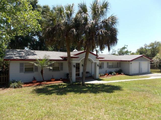 35910 Lakeshore Dr, Dade City, FL 33525