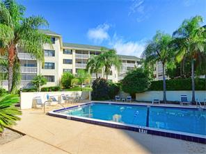 101 N Grandview St #APT 307, Mount Dora, FL