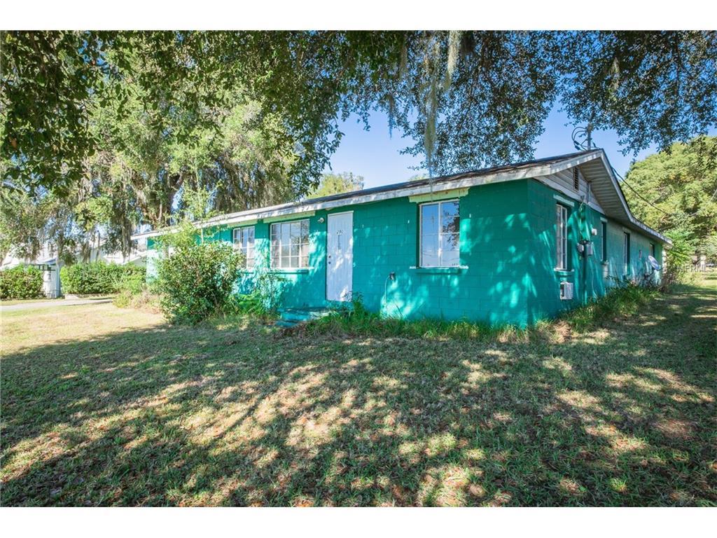 290 Lakeshore Dr, Umatilla, FL