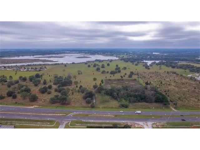 132 Country Lakes Cir, Groveland FL 34736