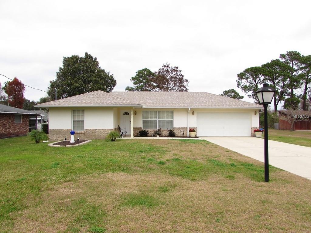 12601 Pine Island Dr, Leesburg, FL