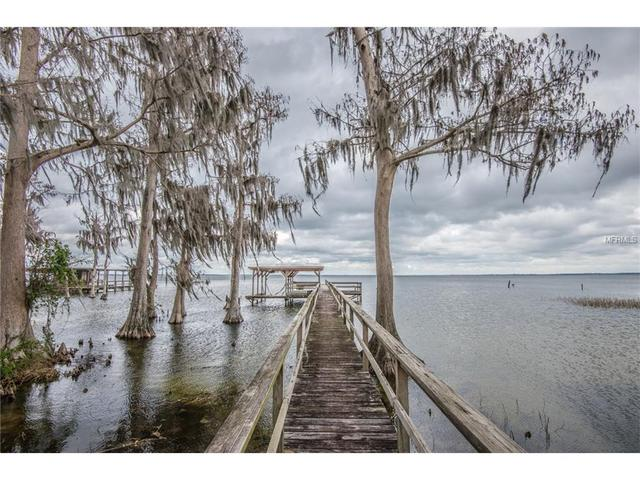 8343 Lakeshore Dr, Yalaha, FL