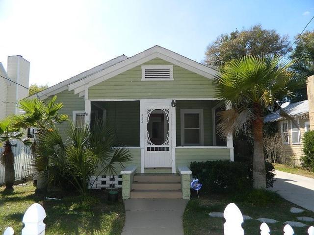 933 N Grandview St, Mount Dora, FL 32757