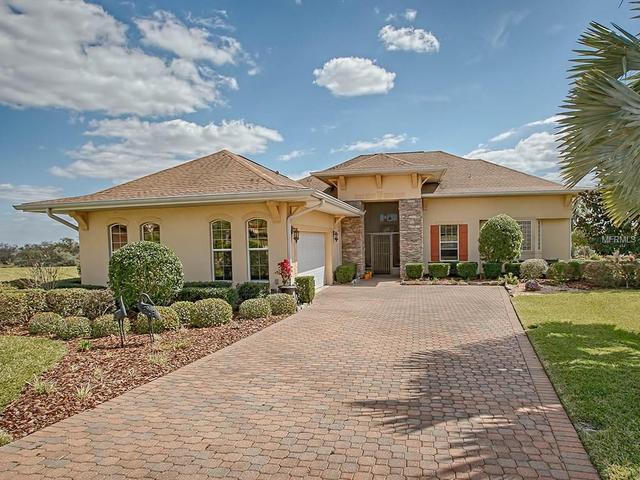 38700 Oak Place Ct, Lady Lake, FL