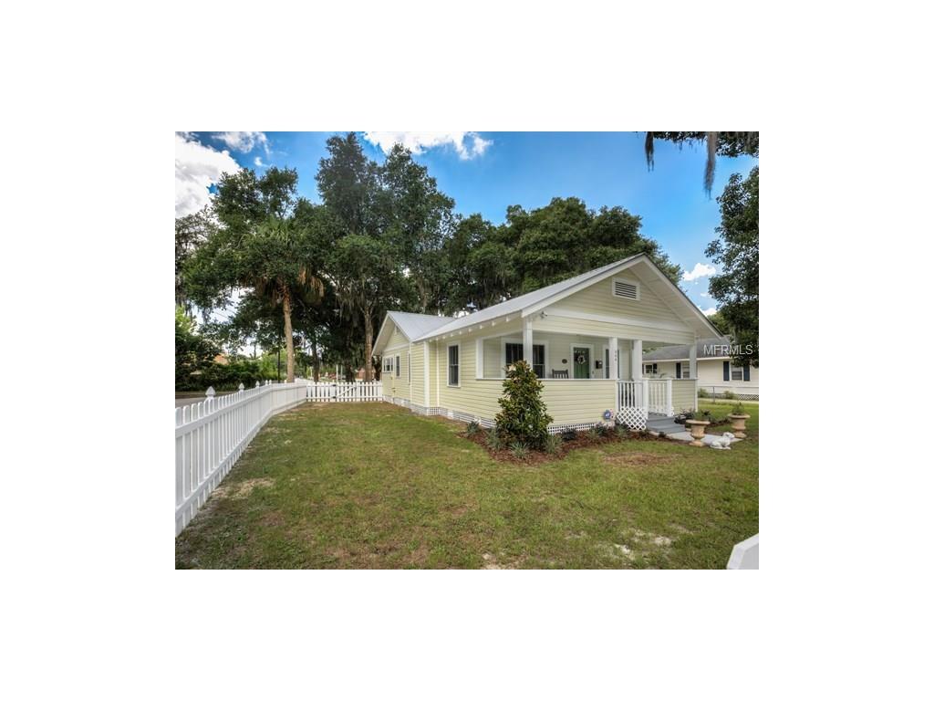 844 E 9th Ave, Mount Dora, FL 32757