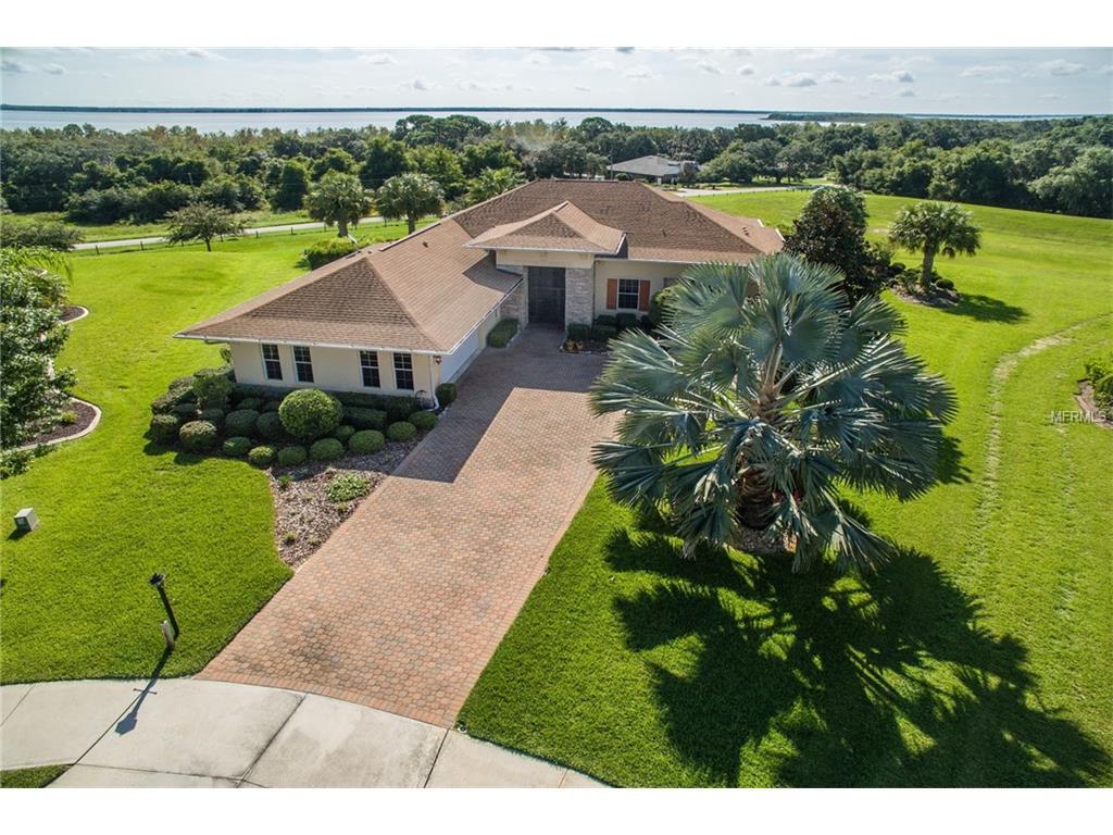 38700 Oak Place Court, Lady Lake, FL 32159