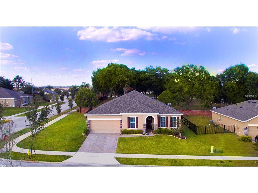 307 Lago Lane, Groveland, FL 34736
