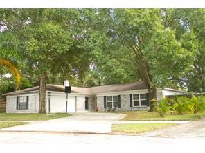 3005 Saint Charles Dr, Tampa, FL