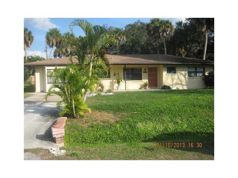 6117 Camphor Ave, Sarasota, FL