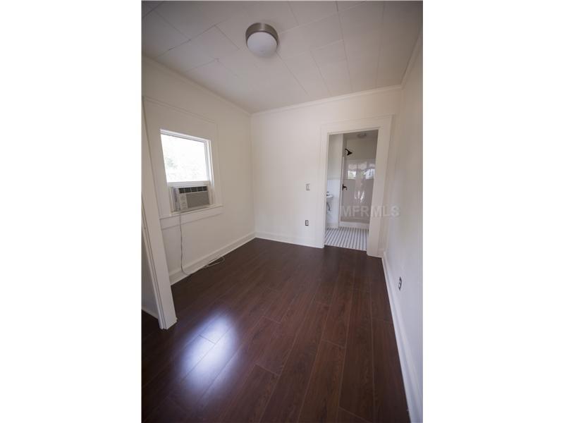 348 Lantana Ave, Sarasota FL 34243