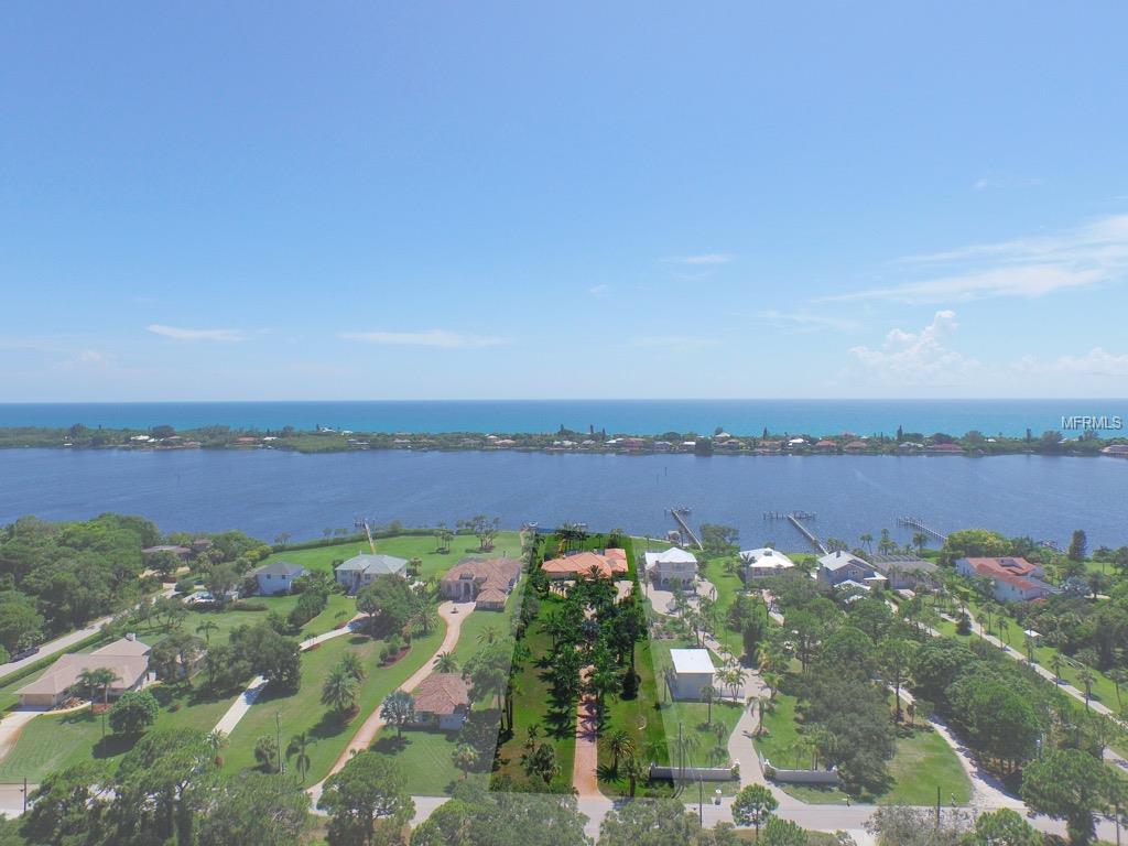 1772 Bayshore Dr, Englewood, FL