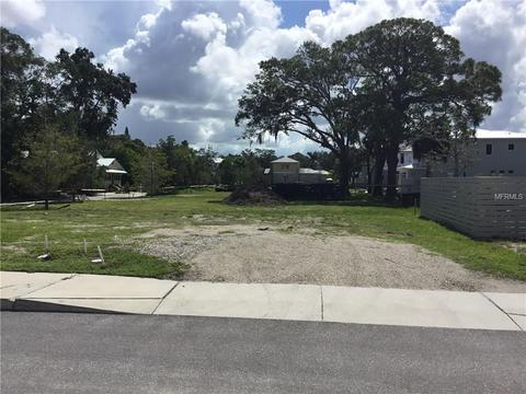 641 Rawls Ave, Sarasota, FL 34236