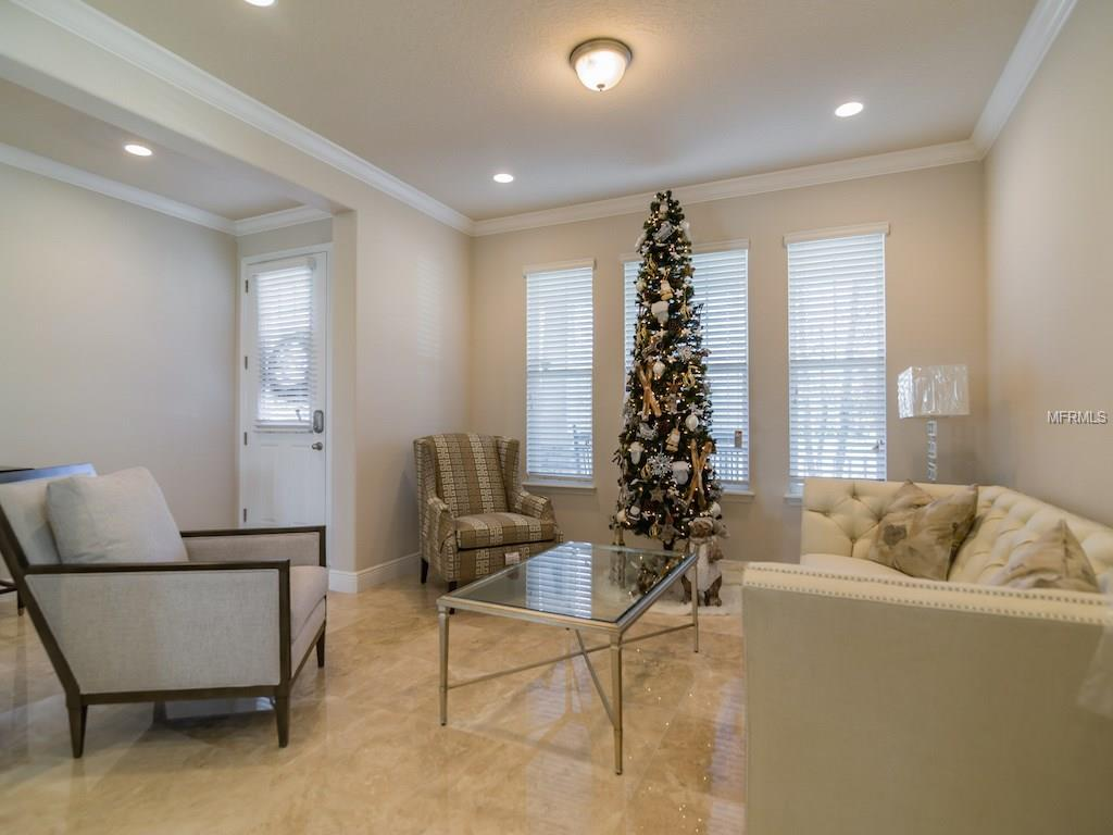 4981 Southlawn Avenue, Orlando, FL 32811