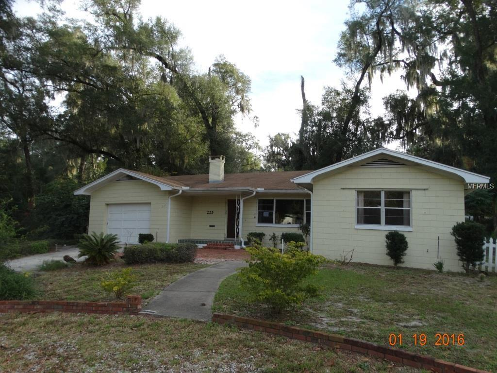 225 S Montgomery Ave, Deland, FL