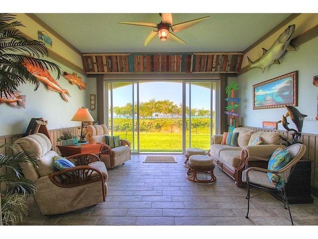 27 Harbour Isle Dr #105 Fort Pierce, FL 34949