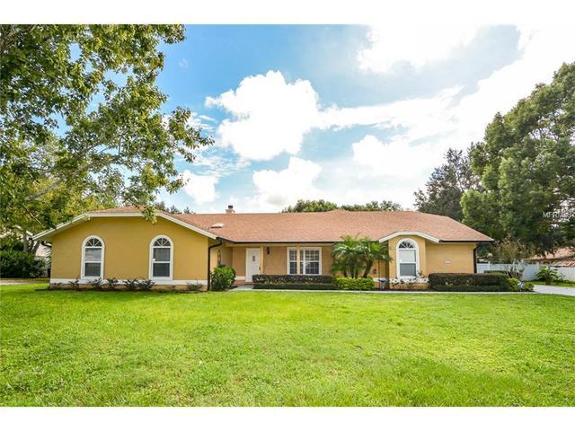5521 Oak St, Mount Dora, FL 32757