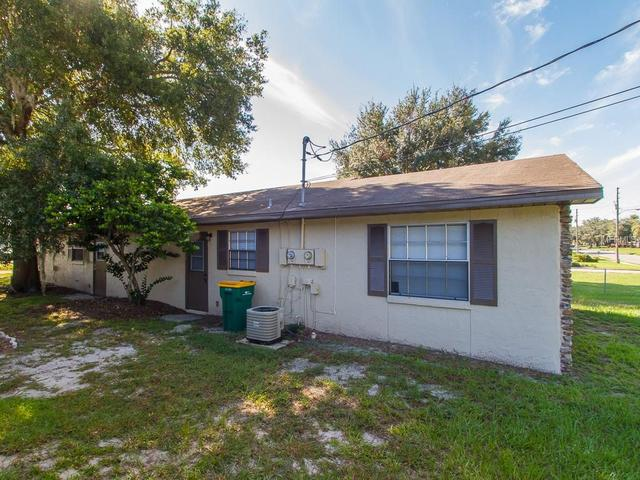 710 N Sinclair Ave S, Tavares, FL 32778