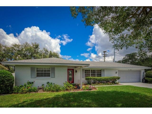 100 Whittier Ln, Winter Haven, FL 33884