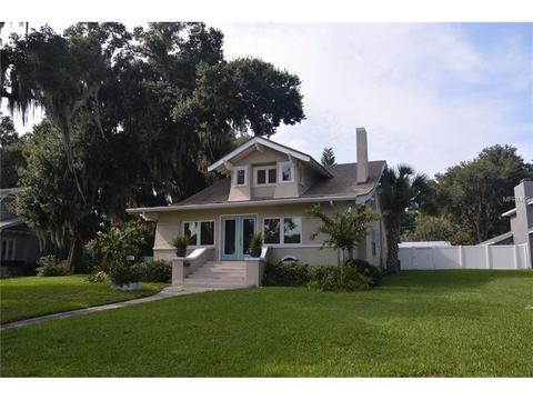 1421 N Lake Howard Dr, Winter Haven, FL 33881