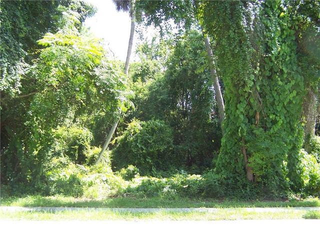 1852 Kingway Dr, Deltona, FL 32738