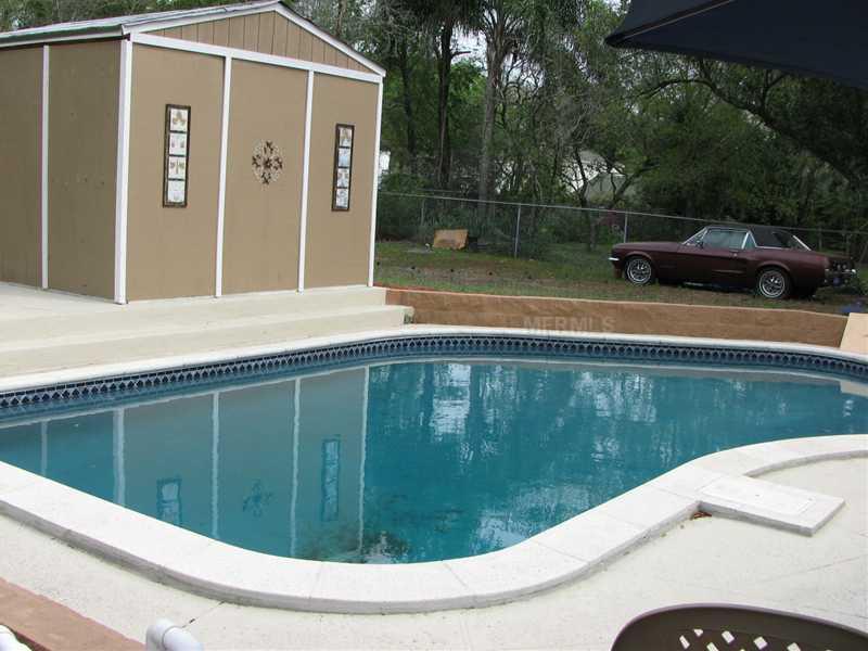 434 S Riverhills Drive, Tampa, FL 33617