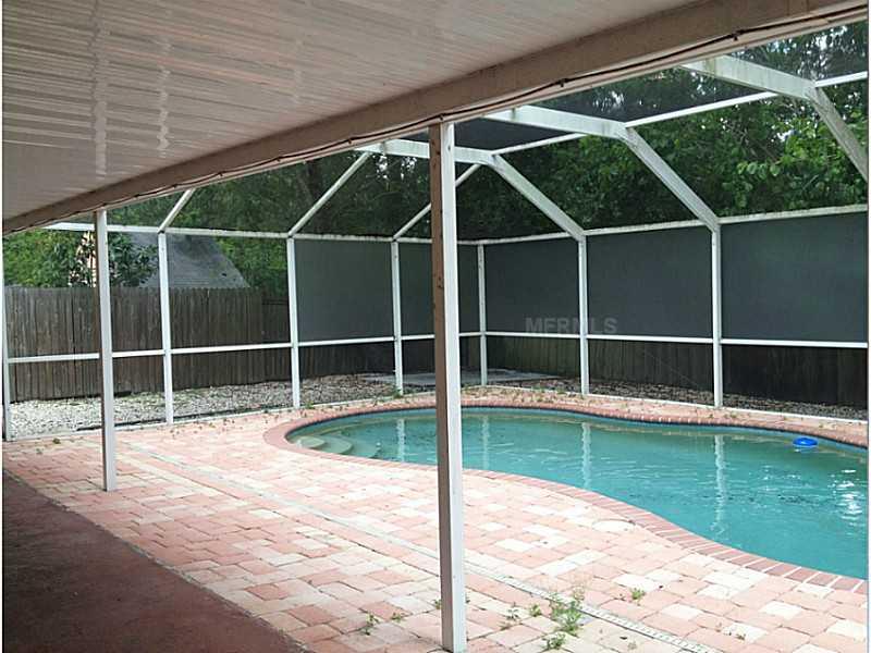 6509 Runningwoods Dr, Tampa FL 33634