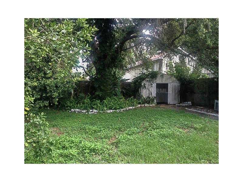 3304 Fox Lake Dr, Tampa FL 33618