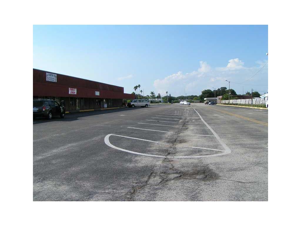 15 Thriftway Plaza, Ruskin, FL 33570