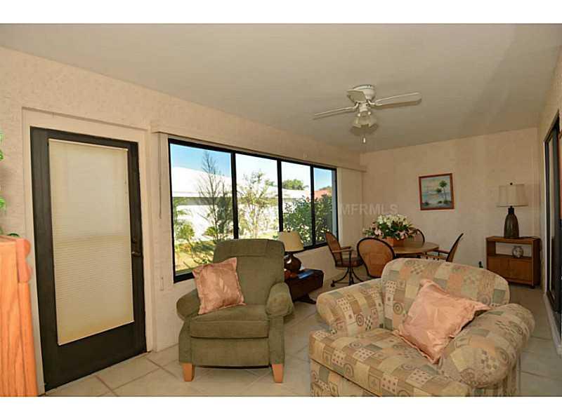 1606 Woodmar Dr, Sun City Center FL 33573