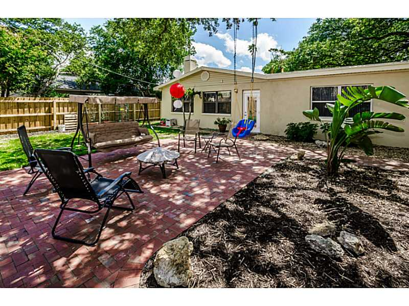 3609 W Renellie Cir, Tampa FL 33629