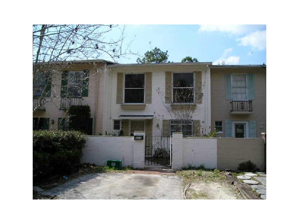 9810 Overlook Dr, Tampa, FL