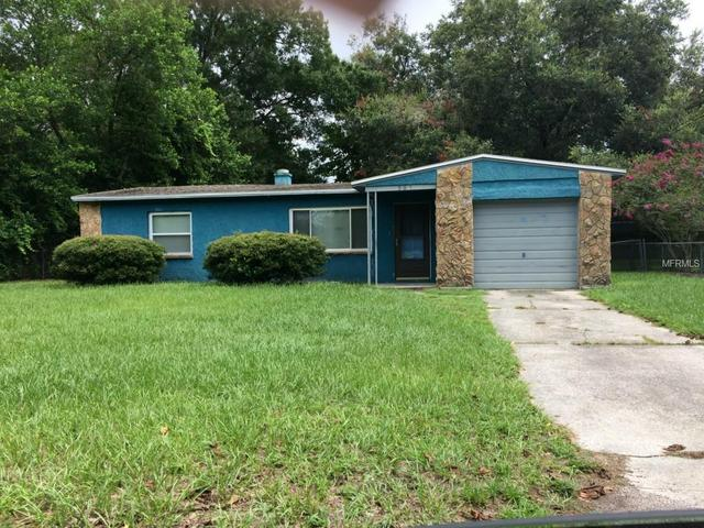 907 W Country Club Dr, Tampa, FL 33612