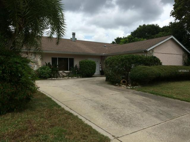 2135 Citrus Hill Ln, Palm Harbor, FL 34683