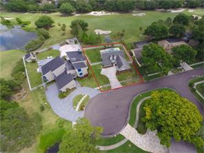 13813 Lake Village Pl, Tampa, FL