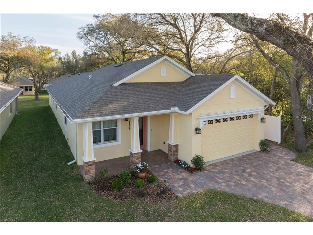 814 W Country Club Dr, Tampa, FL