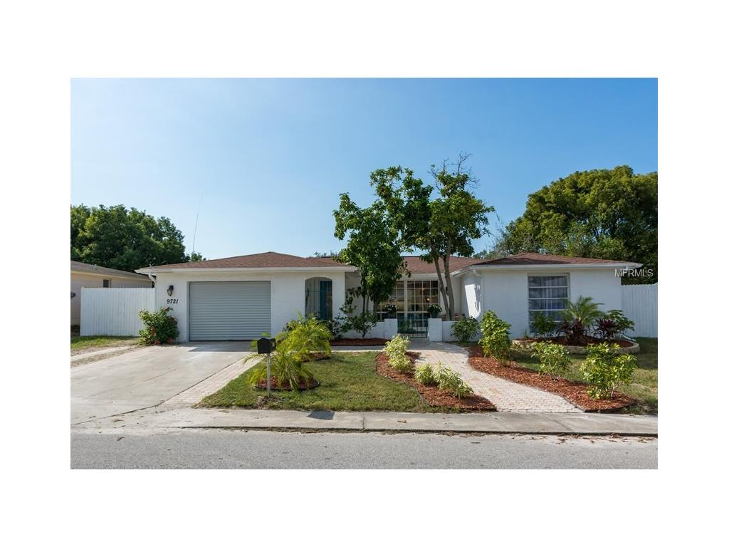 9721 Rainbow Ln, Port Richey, FL