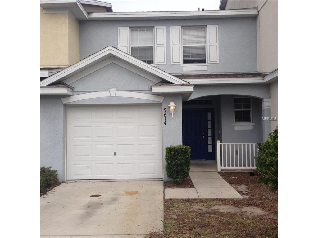 9614 Carlsdale Dr, Riverview, FL