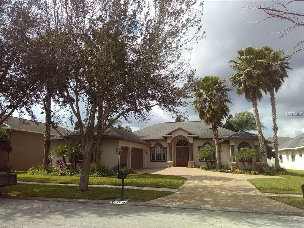 708 Charter Wood Pl, Valrico, FL