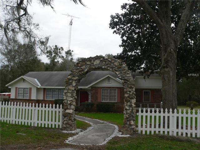 16791 NW Gainesville Rd, Reddick, FL 32686