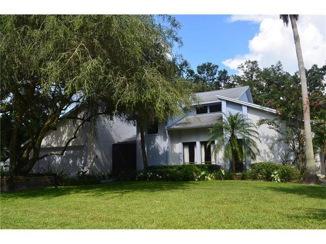 6327 Jacqueline Arbor Dr, Temple Terrace, FL 33617