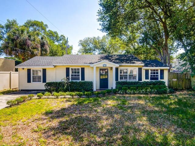 3606 S Renellie Dr, Tampa, FL