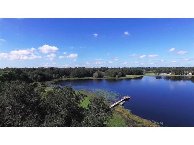 498 Lakewood Dr, Brandon, FL 33510