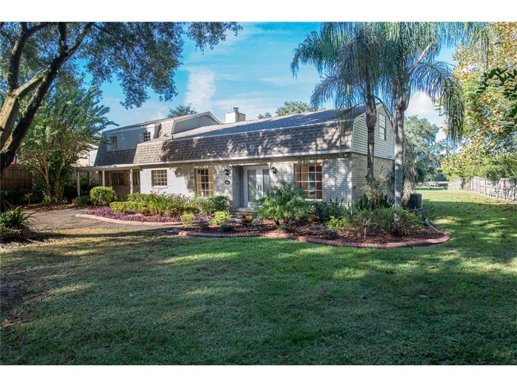 498 Lakewood Drive, Brandon, FL 33510