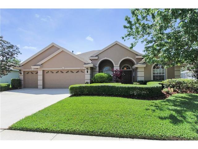 10556 Greencrest Dr, Tampa FL 33626
