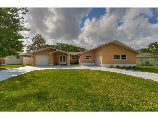 1063 Honeysuckle Rd, Largo FL 33770