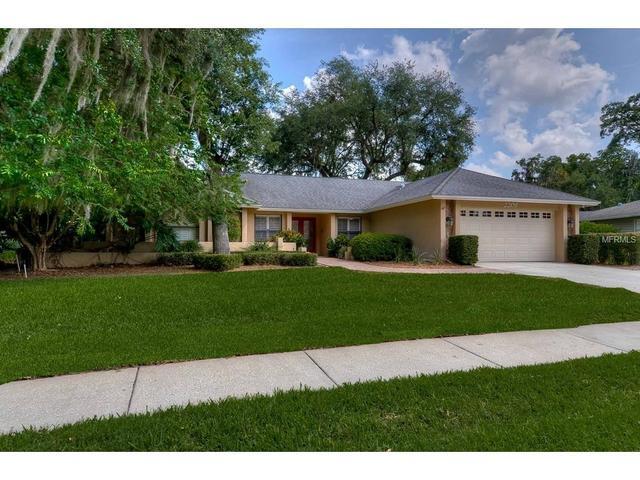 2208 Arbor Oaks Dr, Valrico FL 33594