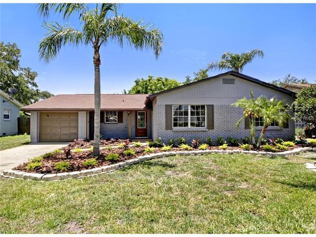 8332 Archwood Cir, Tampa FL 33615